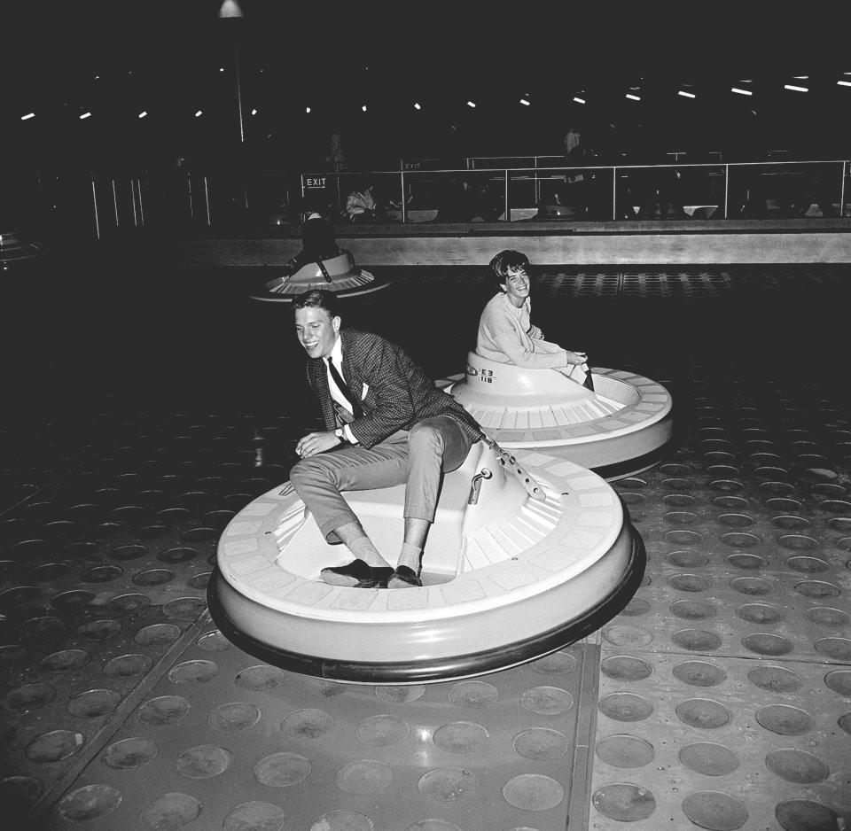 Hơn nửa thế kỷ trước, công viên giải trí khắp thế giới có trò vui nào?-3