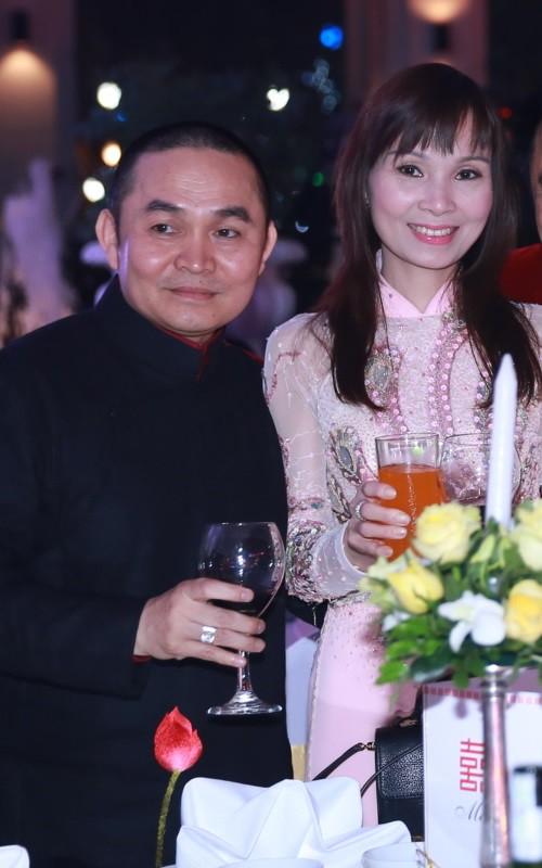 Danh hài Xuân Hinh lần đầu tiết lộ về tính cách của bà xã, thừa nhận vợ là người có tiền, con cái về phe bà ấy hết-3