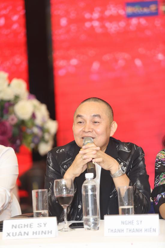 Danh hài Xuân Hinh lần đầu tiết lộ về tính cách của bà xã, thừa nhận vợ là người có tiền, con cái về phe bà ấy hết-1
