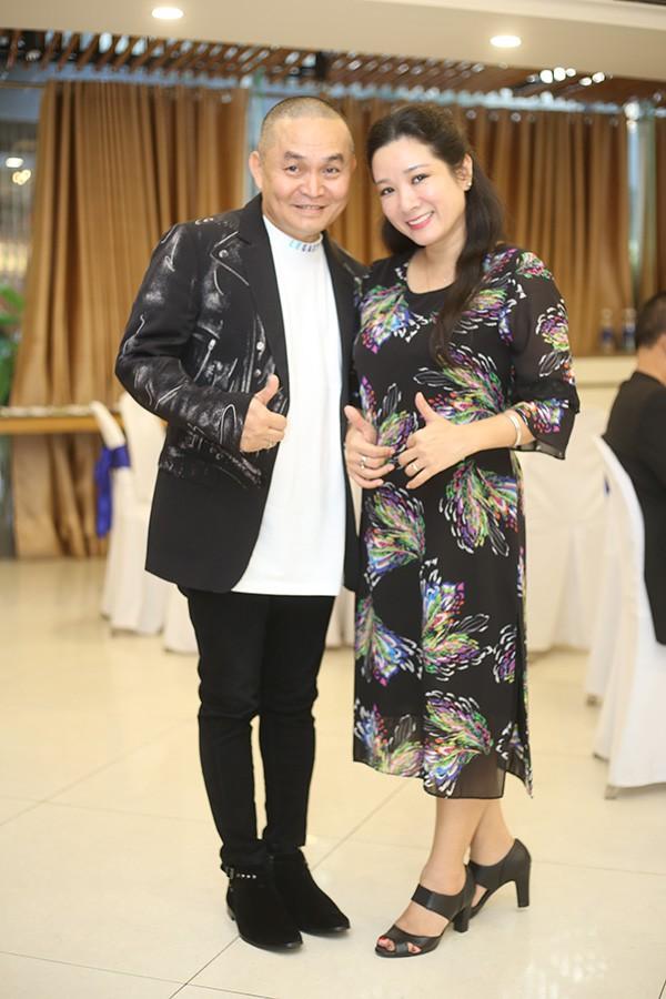 Danh hài Xuân Hinh lần đầu tiết lộ về tính cách của bà xã, thừa nhận vợ là người có tiền, con cái về phe bà ấy hết-2