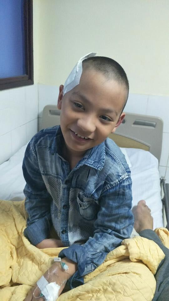 Cậu bé 9 tuổi đột nhiên bị xuất huyết não vì lý do ai cũng có thể mắc và lời cảnh báo từ người mẹ-7