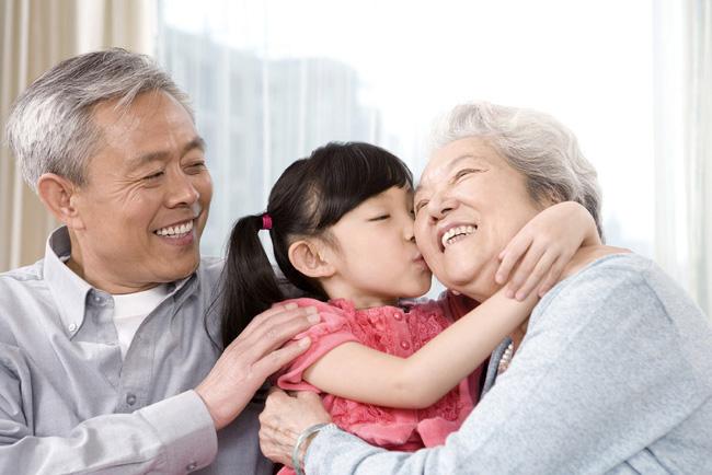 Nói yêu vô điều kiện, nhưng dường như cha mẹ chưa từng thôi mong cầu và đặt gánh nặng báo đáp lên vai con-8
