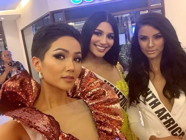 Miss Universe: HHen Niê nổi bật, Hoa hậu Albania bị chê vì khoe thân-2