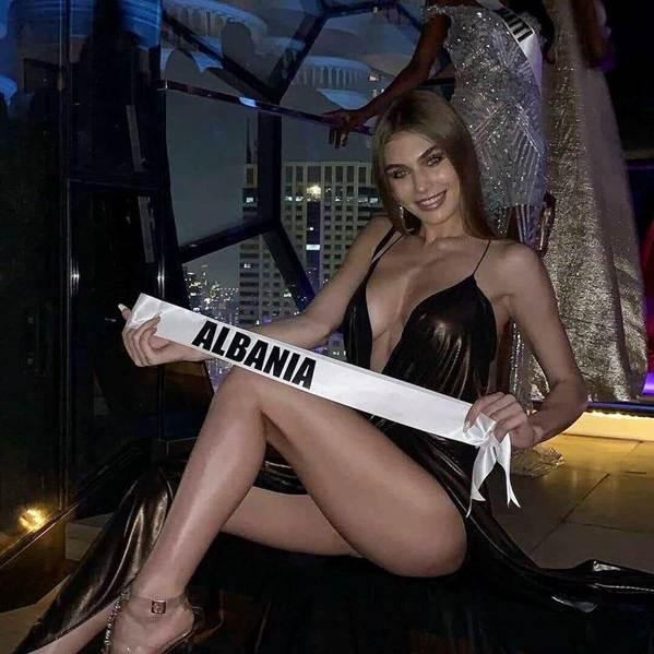 Miss Universe: HHen Niê nổi bật, Hoa hậu Albania bị chê vì khoe thân-5