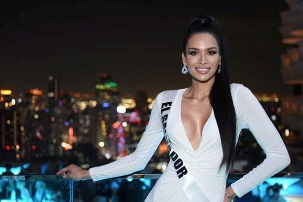 Miss Universe: HHen Niê nổi bật, Hoa hậu Albania bị chê vì khoe thân-8