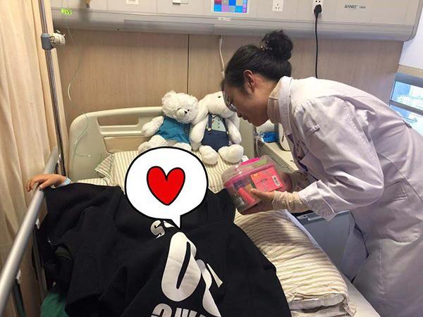 Bé gái 3 tuổi bị chẩn đoán mắc bệnh ung thư vú, dấu hiệu đến từ những thay đổi nhỏ nhất trên người em được mẹ phát hiện kịp thời-5
