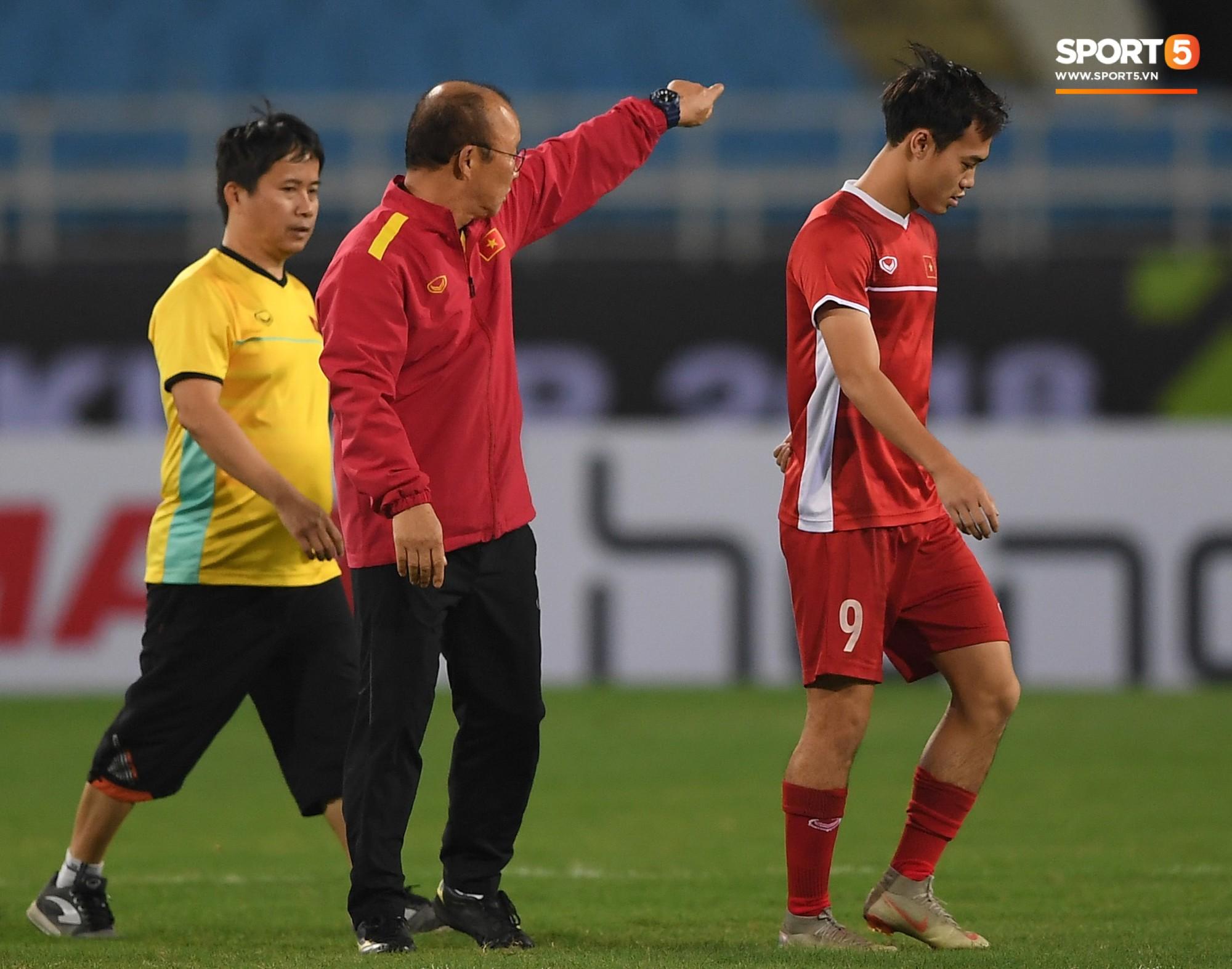 Văn Toàn tươi rói trong ngày trở lại, tuyển Việt Nam đón nhiều tin vui trước trận gặp Philippines-3