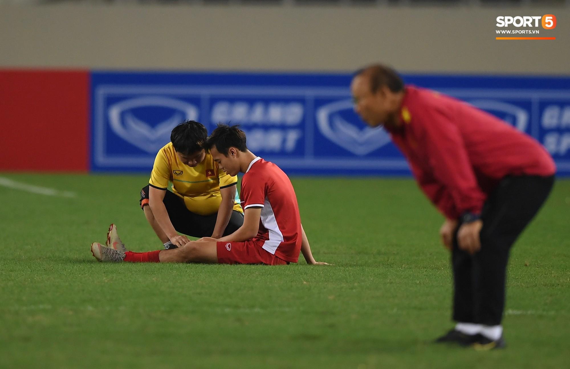 Văn Toàn tươi rói trong ngày trở lại, tuyển Việt Nam đón nhiều tin vui trước trận gặp Philippines-5