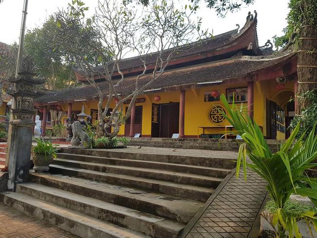 Thái Nguyên: Nam thanh niên vào chùa bắn 7 phát chỉ thiên rồi dùng dao tự sát-1