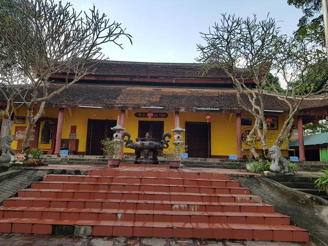 Thái Nguyên: Nam thanh niên vào chùa bắn 7 phát chỉ thiên rồi dùng dao tự sát-2
