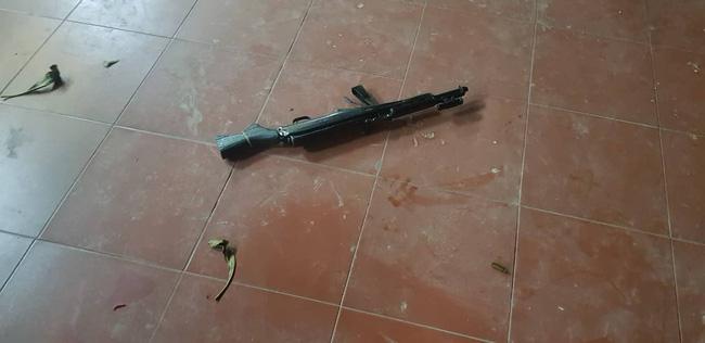 Thái Nguyên: Nam thanh niên vào chùa bắn 7 phát chỉ thiên rồi dùng dao tự sát-4