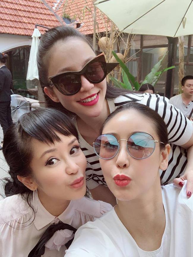 U50 Hồng Nhung khoe trọn vẹn vẻ trẻ trung khi đọ sắc cùng hội chị em toàn mỹ nhân-1
