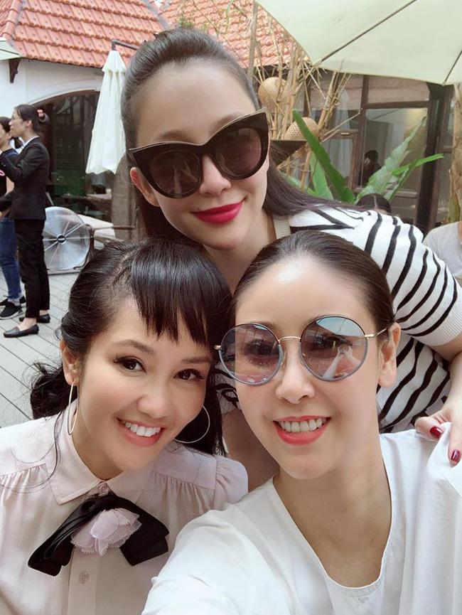 U50 Hồng Nhung khoe trọn vẹn vẻ trẻ trung khi đọ sắc cùng hội chị em toàn mỹ nhân-2