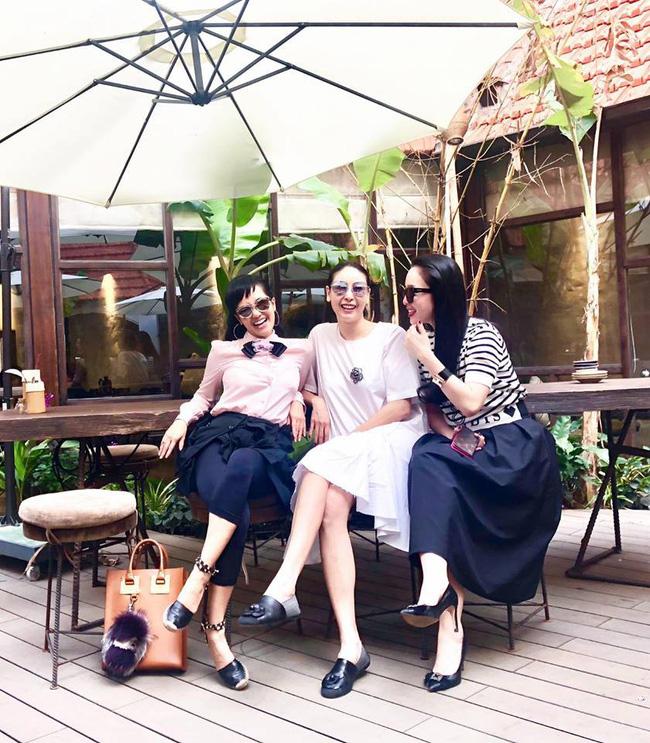 U50 Hồng Nhung khoe trọn vẹn vẻ trẻ trung khi đọ sắc cùng hội chị em toàn mỹ nhân-3