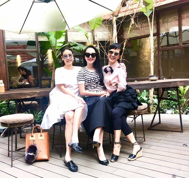 U50 Hồng Nhung khoe trọn vẹn vẻ trẻ trung khi đọ sắc cùng hội chị em toàn mỹ nhân-4