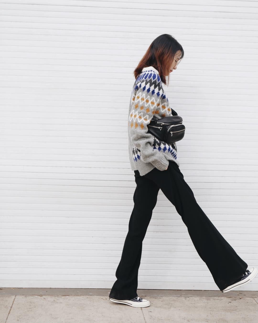 Diện mãi áo len trơn cũng chán, đổi sang áo len họa tiết mặc vừa đẹp lại chẳng lo lỗi mốt-7