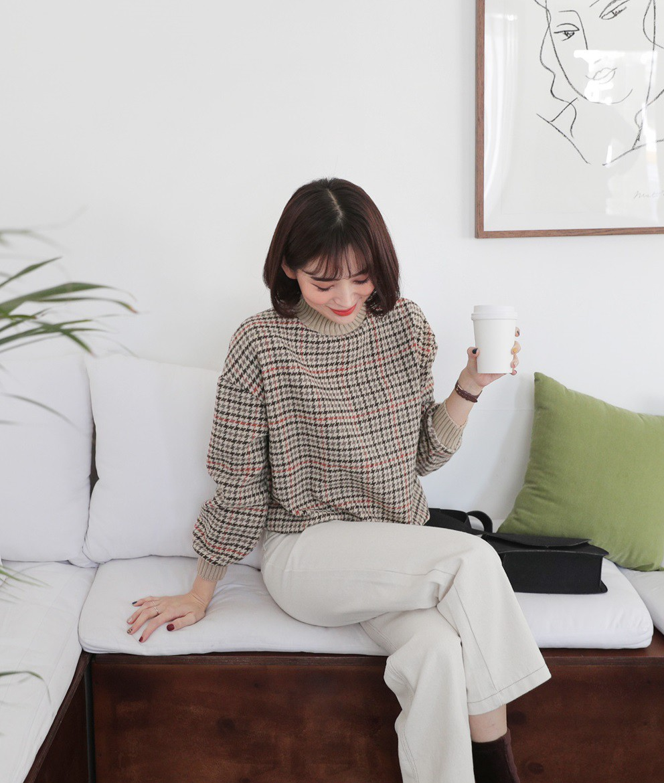 Diện mãi áo len trơn cũng chán, đổi sang áo len họa tiết mặc vừa đẹp lại chẳng lo lỗi mốt-12