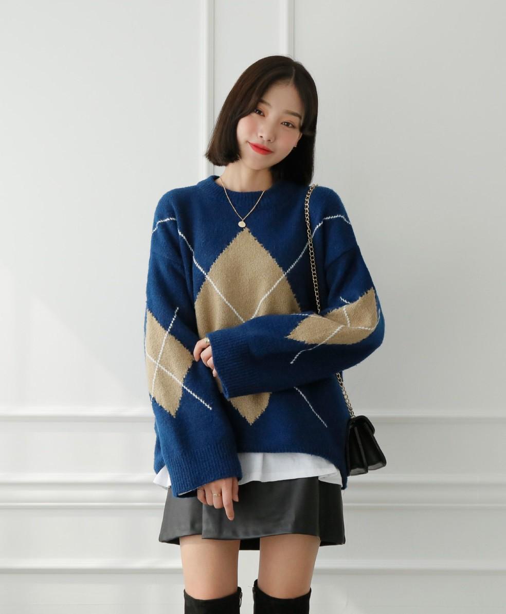 Diện mãi áo len trơn cũng chán, đổi sang áo len họa tiết mặc vừa đẹp lại chẳng lo lỗi mốt-15
