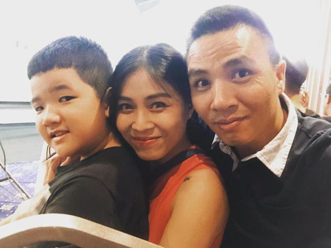 Chồng sắp cưới rất yêu thương con riêng của Hoàng Linh, còn nữ MC đối xử với con riêng của Mạnh Hùng như thế nào?-6