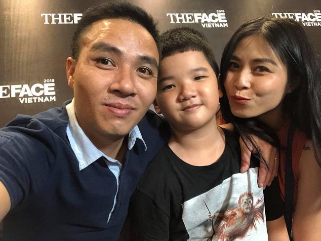 Chồng sắp cưới rất yêu thương con riêng của Hoàng Linh, còn nữ MC đối xử với con riêng của Mạnh Hùng như thế nào?-5