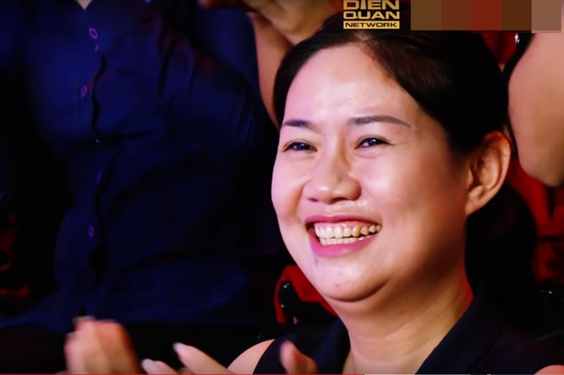 Không chỉ con gái xinh xuất sắc, vợ tươi như hoa của danh thủ Hồng Sơn cũng gây chú ý-6