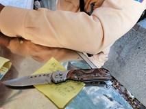Phát hiện 9X mang vũ khí đi cổ vũ trận Việt Nam - Philippines