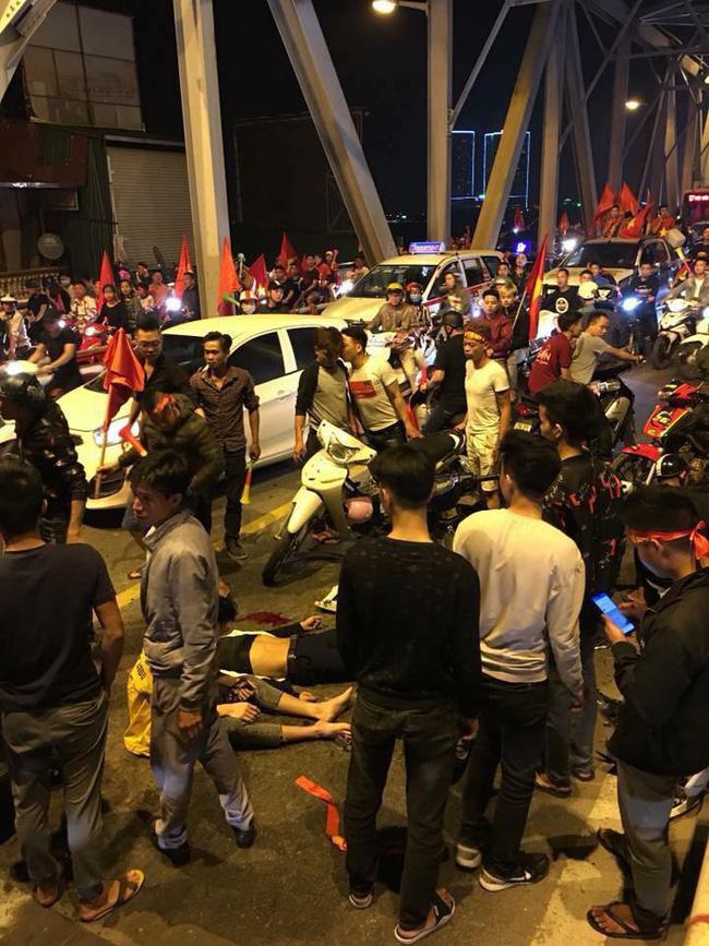 Tai nạn giao thông liên tiếp trong lúc CĐV xuống đường ăn mừng chiến thắng Việt Nam - Philippines-3