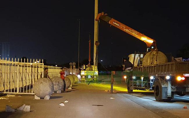 Tuyển Việt Nam thoát dớp sân Mỹ Đình, CĐM sôi sục truy tìm người tư vấn chuyển 40 bóng bê tông để nhờ phá ế-3
