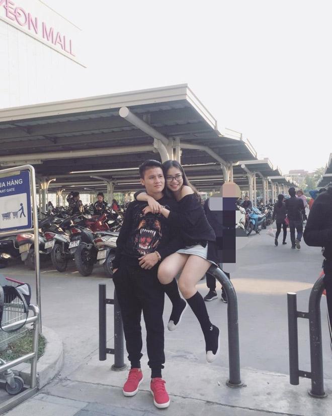 Chuyện tình may mắn của Quang Hải và bạn gái thích khoe vòng ba-5