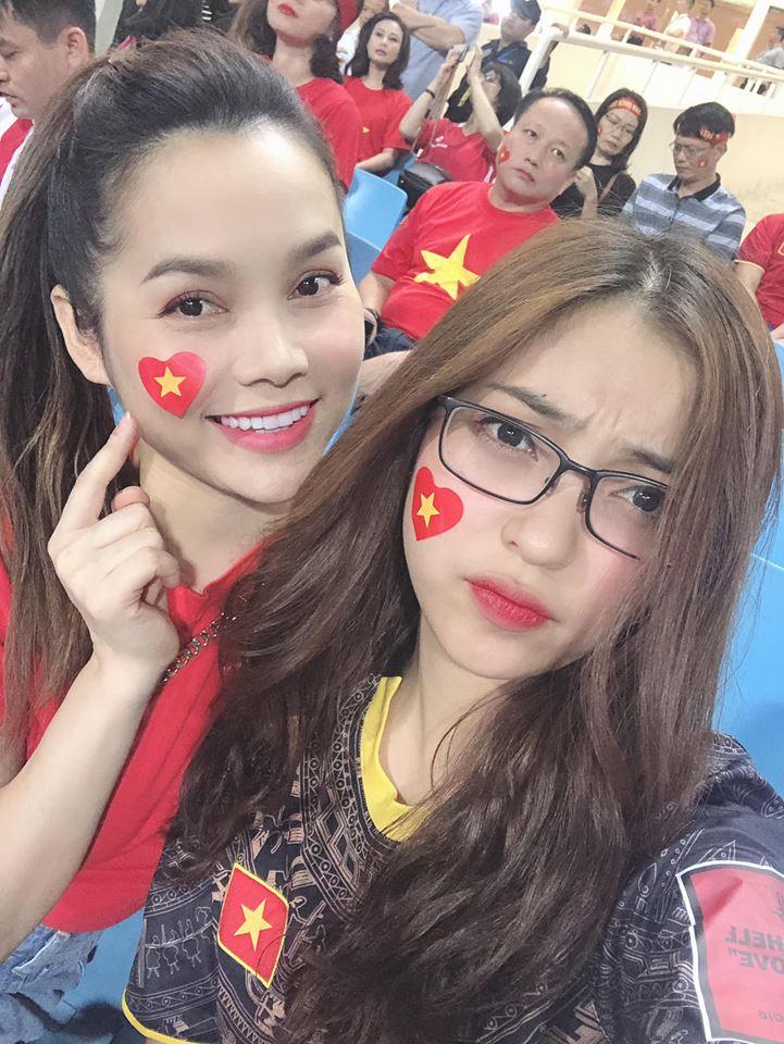 Chuyện tình may mắn của Quang Hải và bạn gái thích khoe vòng ba-6