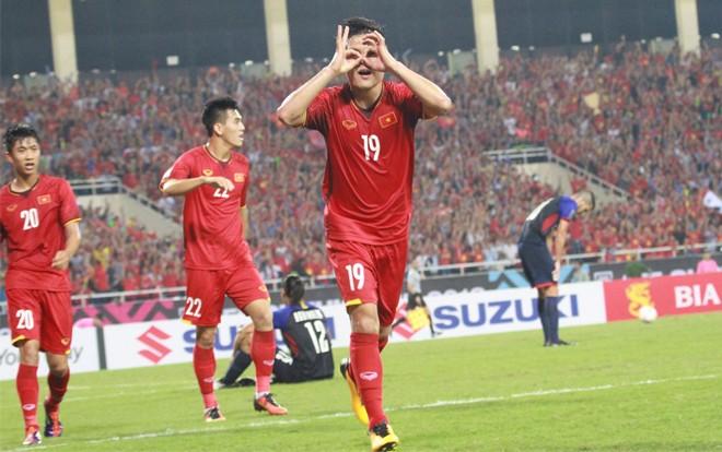 Bố cầu thủ Quang Hải: 'Con trai ghi bàn ở phút thứ 83 khiến tôi cùng hàng triệu người hâm mộ vỡ òa cảm xúc'-2