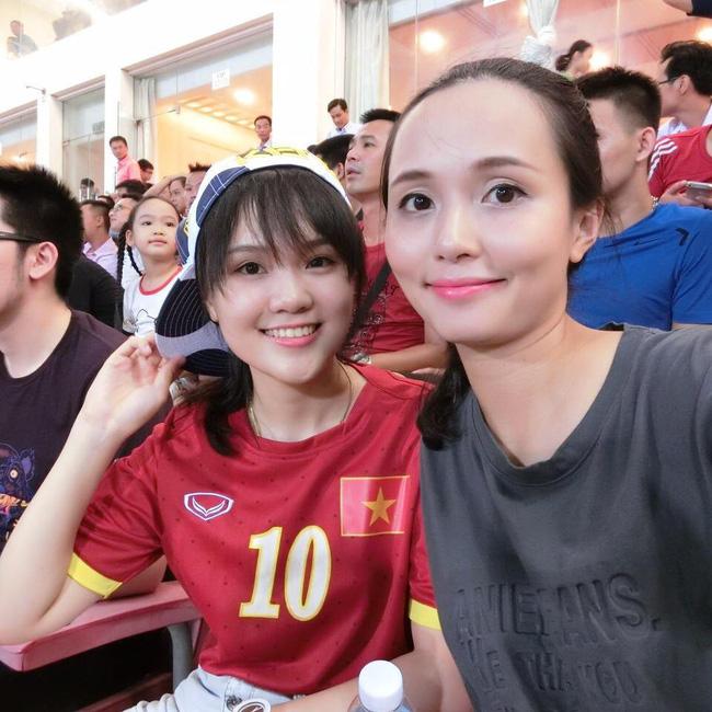 Ái nữ cựu chủ tịch CLB Sài Gòn: Cô chị là vợ tiền đạo Văn Quyết, cô em xí luôn Duy Mạnh gắt-7