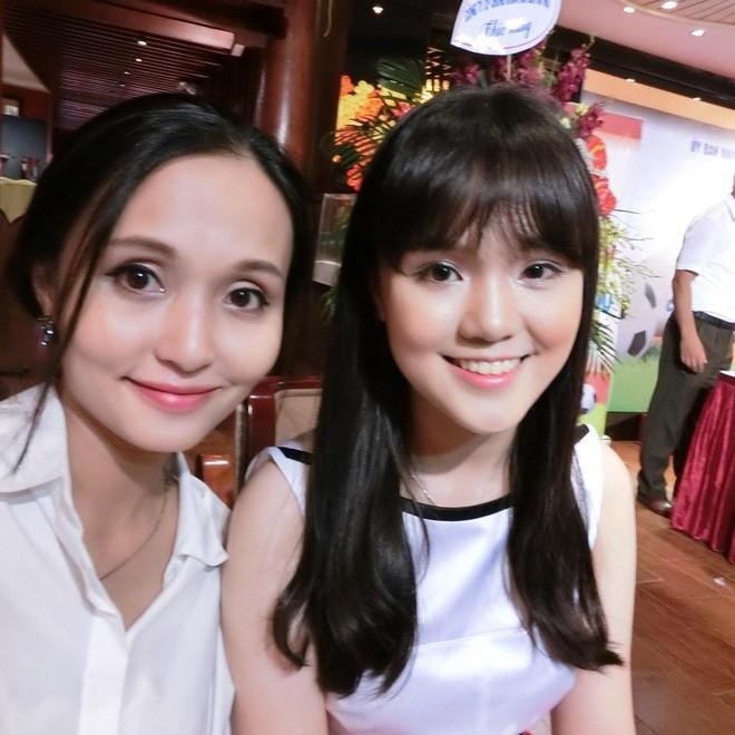 Ái nữ cựu chủ tịch CLB Sài Gòn: Cô chị là vợ tiền đạo Văn Quyết, cô em xí luôn Duy Mạnh gắt-9