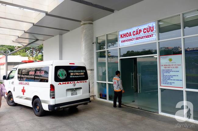 Bé gái nặng 4kg nhưng cho sinh thường ở Bình Thuận bị tổn thương thần kinh cánh tay và hôn mê-1