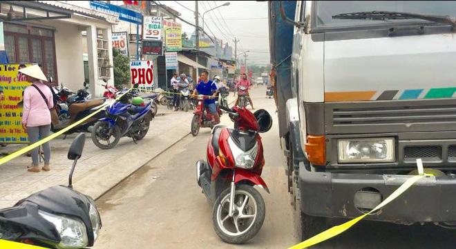 Bé gái 12 tuổi lái xe máy bị xe tải cán chết trên đường đi học về nhà-2