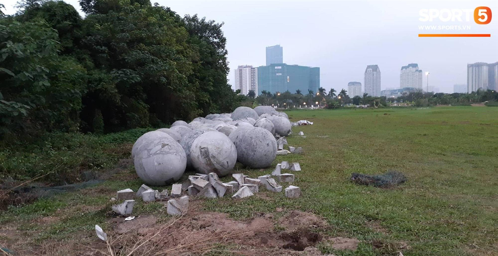 Đã tìm ra vị trí bí ẩn của 40 quả cầu đá sau khi bị di dời khỏi sân Mỹ Đình-3