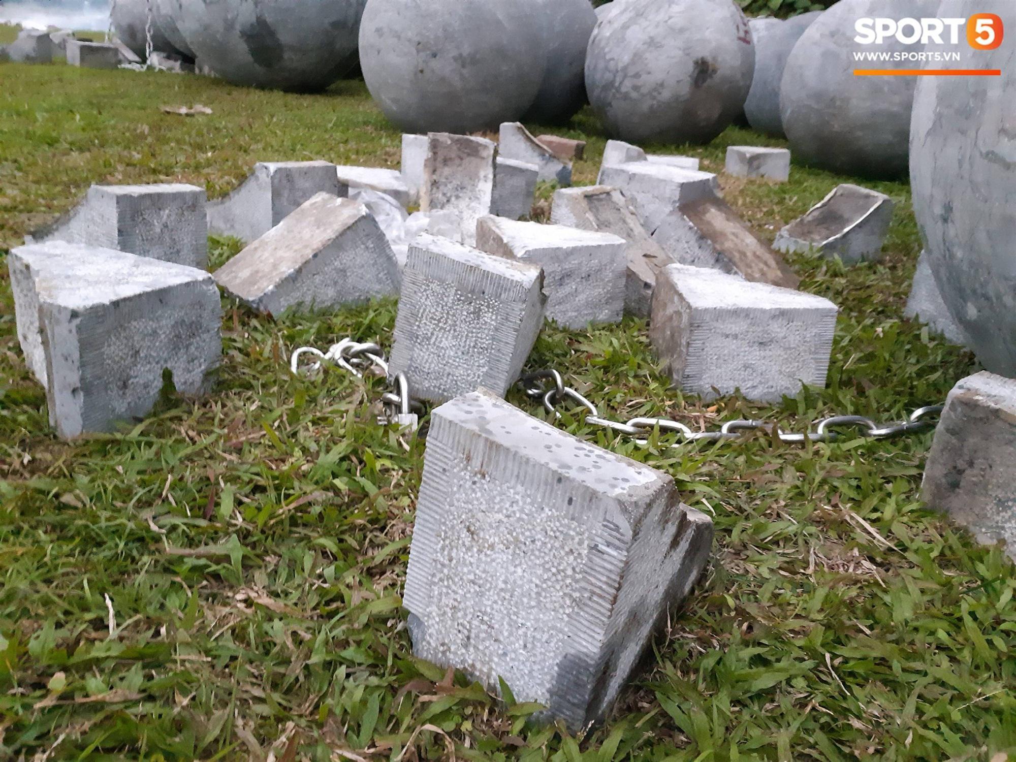 Đã tìm ra vị trí bí ẩn của 40 quả cầu đá sau khi bị di dời khỏi sân Mỹ Đình-4