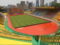 Sau những trận thua liên tiếp của đội nhà, nhiều sân vận động trên thế giới có cách giải