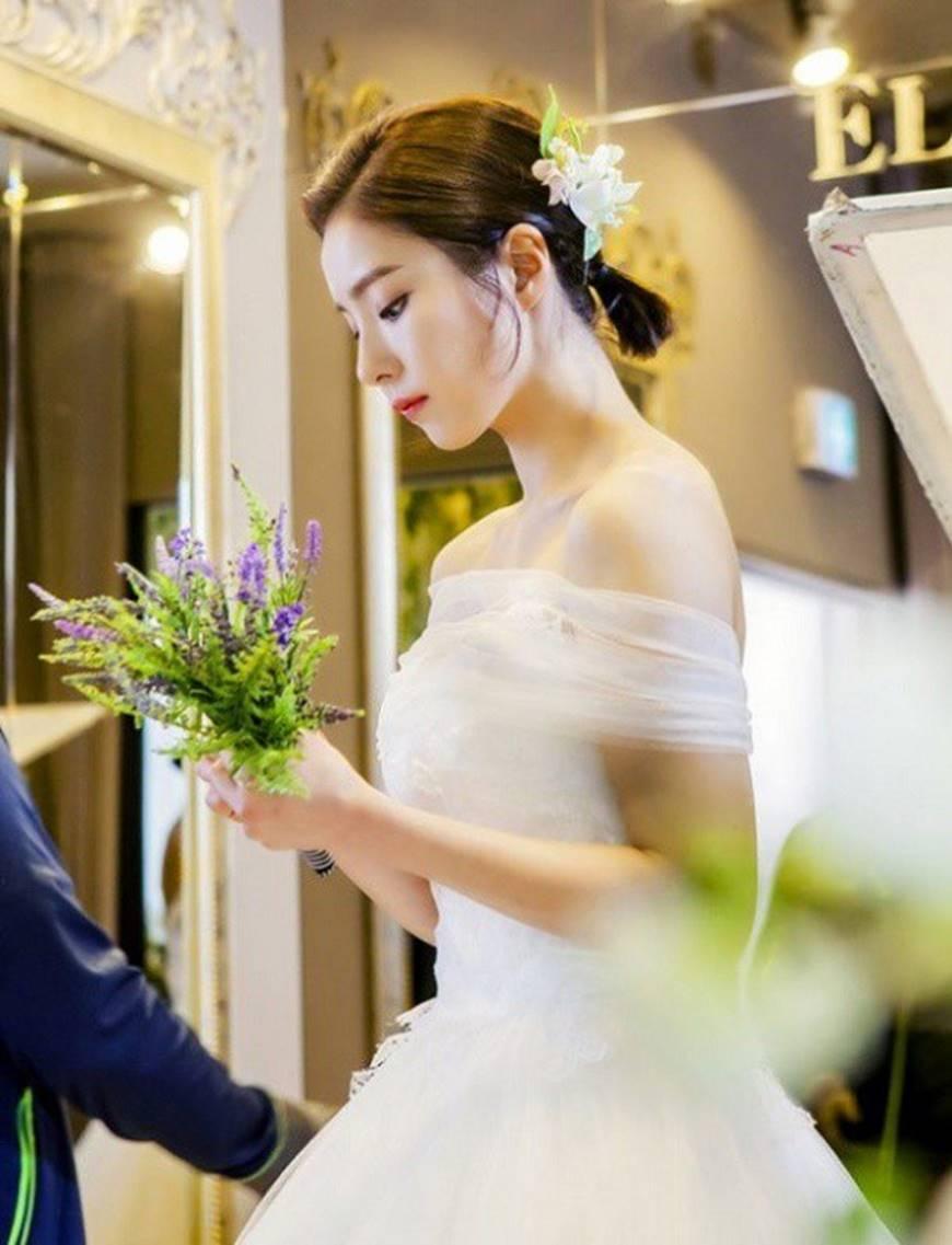 Sắp tổ chức hôn lễ, vậy mà tôi lại để mất chồng chưa cưới vào tay một người đàn bà góa-1