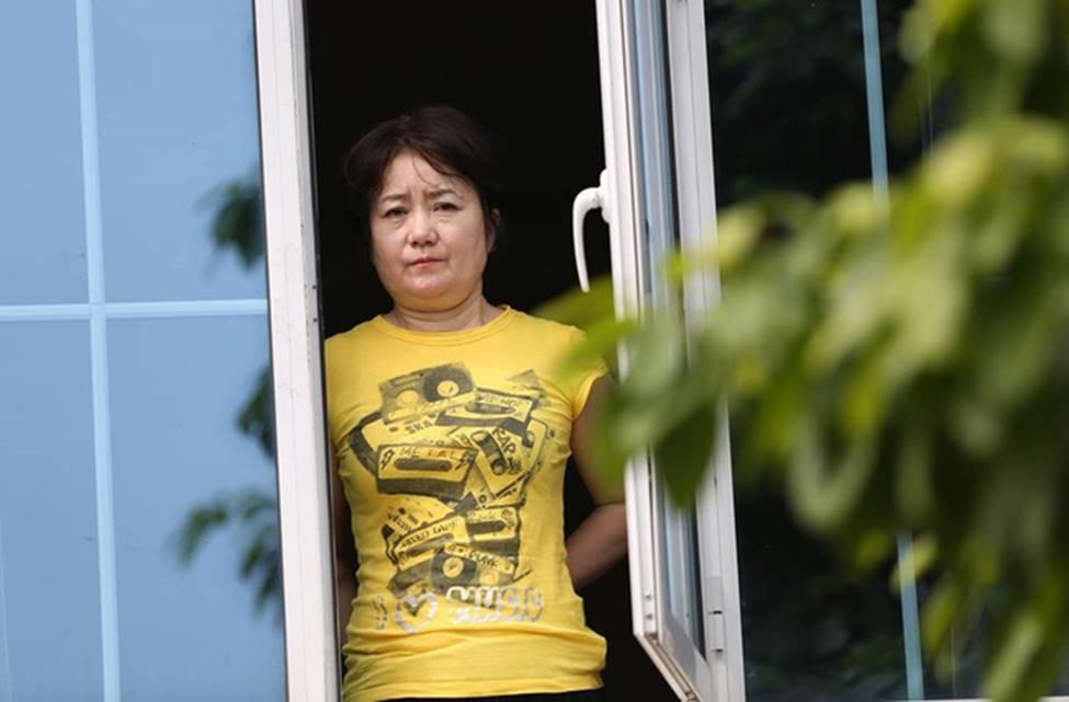 Nhan sắc các bạn gái cầu thủ đã là gì, ngỡ ngàng nhất là người phụ nữ U60 bên cạnh thầy Park suốt 32 năm-4