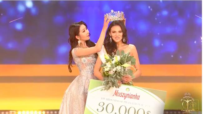Tân Hoa hậu Miss Supranational 2018: Sở hữu nhan sắc thượng phẩm cùng bảng lý lịch không thể nào chê-2