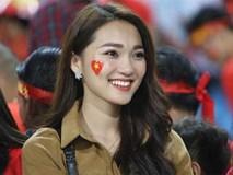 Bạn gái hotgirl của Phan Văn Đức đẹp mê mẩn trên khán đài Mỹ Đình
