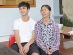 Rớt nước mắt cảnh con gái 68 tuổi đi bán vé số nuôi mẹ 90 tuổi: Người ta nói tui khùng nhưng tui biết thương mẹ-15