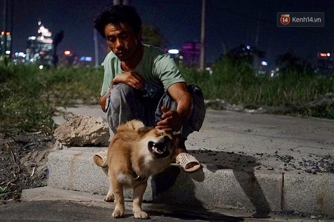 Điều kỳ diệu đã xuất hiện: Chú chó mù trở về bên anh đánh giày câm sau hơn nửa tháng mất tích-7