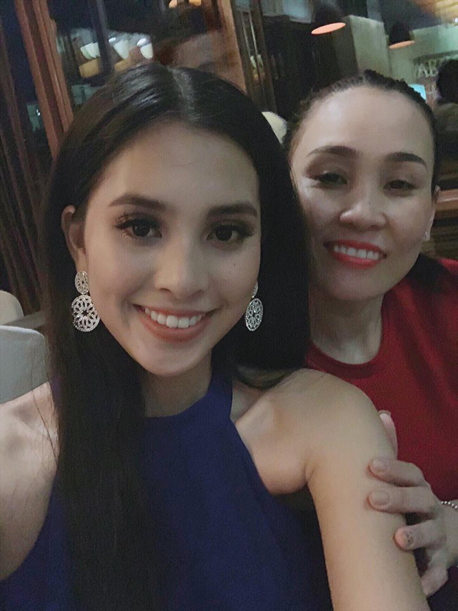 Bị đánh bật ra khỏi Top 15 các bảng xếp hạng sát giờ G Miss World 2018, Tiểu Vy vẫn lạc quan bên mẹ ruột-3