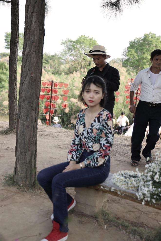 Từ Đà Nẵng ra Hà Nội chụp cúc họa mi, cô gái bàng hoàng khi nhận sản phẩm từ nhiếp ảnh và sự thật khiến tất cả ngã ngửa-16