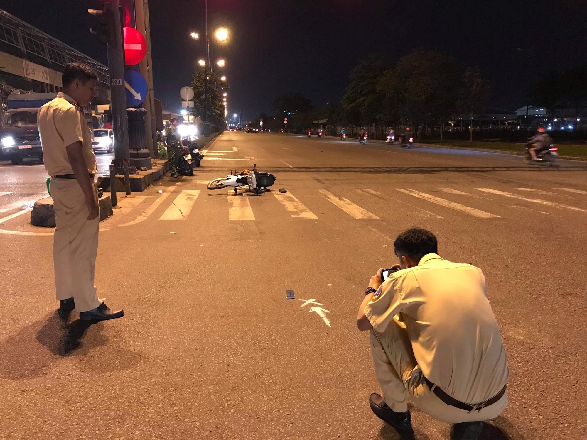 """Xe cấp cứu ở Sài Gòn gây tai nạn rồi chở nạn nhân rời khỏi hiện trường nhưng mất tích"""" không dấu vết?-2"""