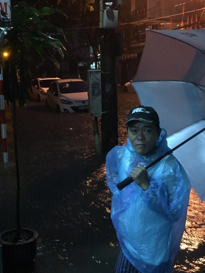 Đà Nẵng mưa cực to, ngập chưa từng có-4