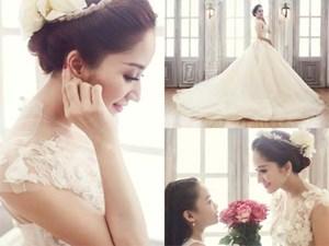 Phan Hiển khoe hình Khánh Thi mặc váy cưới, nhận 'yêu từ cái nhìn đầu tiên'