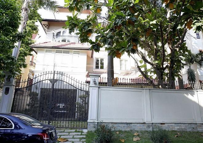Cận cảnh biệt thự sang trọng rộng hơn 700 mét vuông của Hiền Mai ở Sài Gòn-1